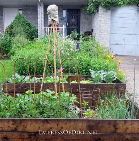 Vegetable Garden In Front Yard Grow An Front Yard Veggie Flower Garden Empress