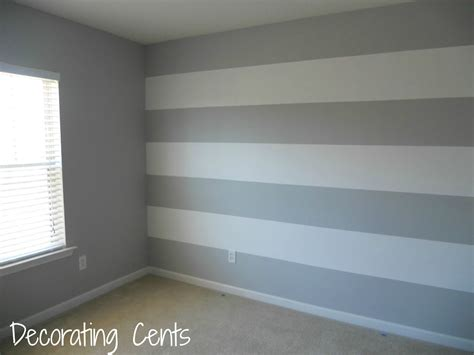 Wand Streifen by Decorating Cents Painting A Striped Wall