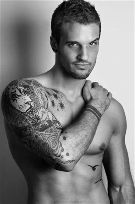 hot guy with tattoos 12 3 2010 9 42 59 am 171 guys with tattoos