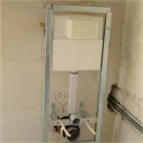 Duoblok Toilet Installeren by Hangtoilet Plaatsen Laten Doen Voor Een Scherpe Prijs