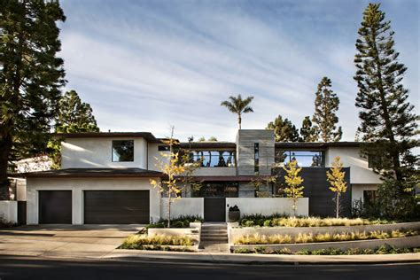 modern suburban home in california by rdm general