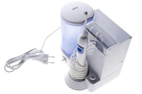 doccia dentale idropulsore efficacia benefici controindicazioni