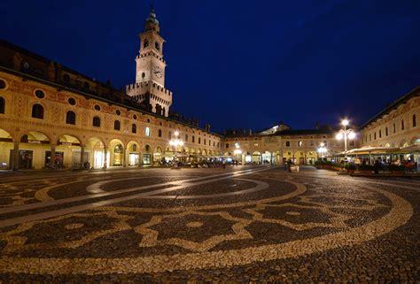 forum pavia calcio ma quanto e la piazza ducale di vigevano forum