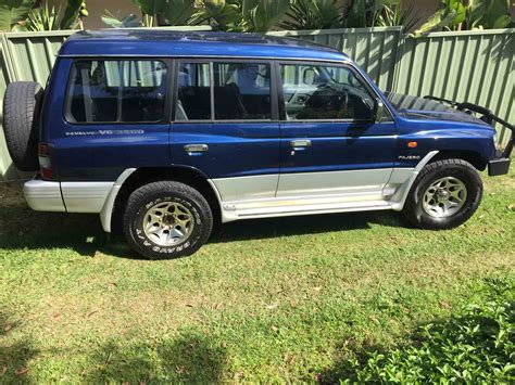 mitsubishi pajero 1998 1998 mitsubishi pajero blue wagon used vehicle sales