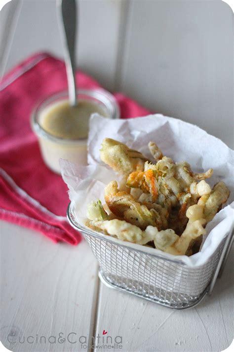 ricetta frittelle con fiori di zucca frittelle ai fiori di zucca con salsa alle acciughe