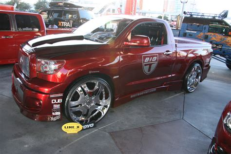 widebody tundra modified toyota tundra on 28 inch dubs 1 madwhips