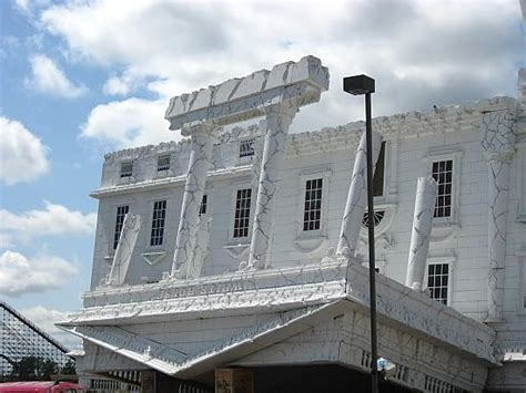 upside down house wisconsin dells 2580 best cool roadside attractions images on pinterest