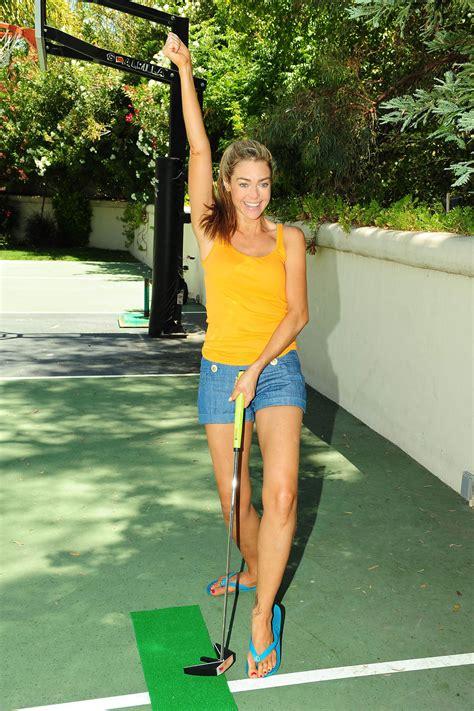 backyard mini golf denise richards play mini golf at her backyard in los angeles hawtcelebs hawtcelebs