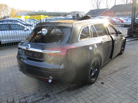 opel insignia 2014 black opel insignia sports tourer 2 0 cdti 16v salvage year of