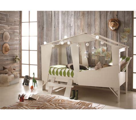 cabane pour chambre garcon chambre d enfant les lits cabanes