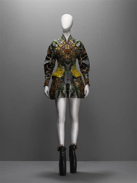 design pattern mcq dress plato s atlantis spring summer 2010 alexander