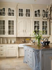 In the 90 s everyone had oak cabinets they all looked the same