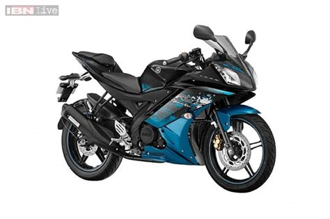 r15 new version yamaha r15 version 2 0 launched with two new colours at rs