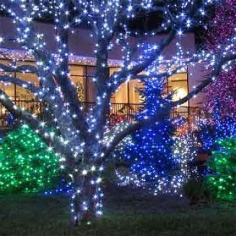 como decorar un jardin de navidad decorar tu jardin para navidad