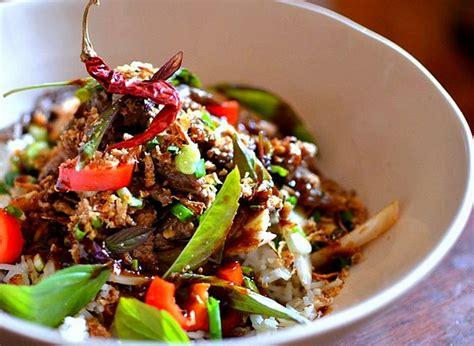 cuisine thailandaise facile boeuf saut 233 au basilic tha 239 la recette facile