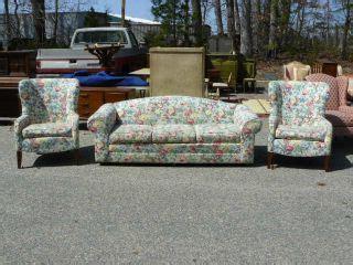 ethan allen floral print sofa ethan allen spindle back sofa on popscreen