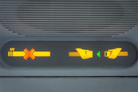 no smoking sign plane el porqu 233 de las cuatro normas de seguridad de los aviones