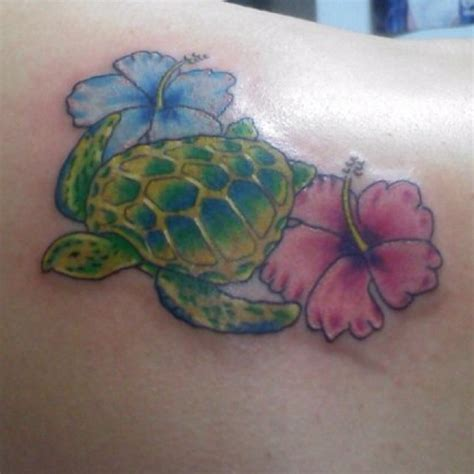 sea turtle tattoo sea turtle hibiscus so turtle