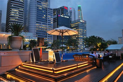 Roof Top Bar by Lantern Bar Stylish Rooftop Bar At The Fullerton Bay