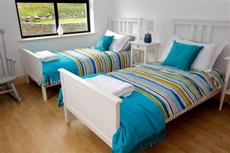 billige einzelbetten schlafen im view cottage louisburgh connemara mayo
