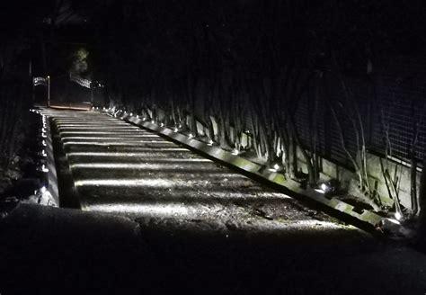 illuminazione ingresso illuminazione vialetti in giardini ed ingressi a led