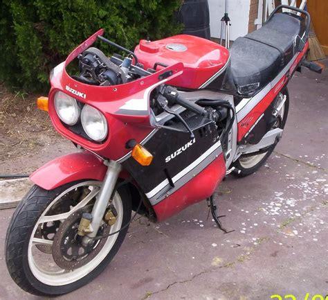 Suzuki Gsxr 750 Seat Height Suzuki Motorbikespecs Net Motorcycle Specification Database