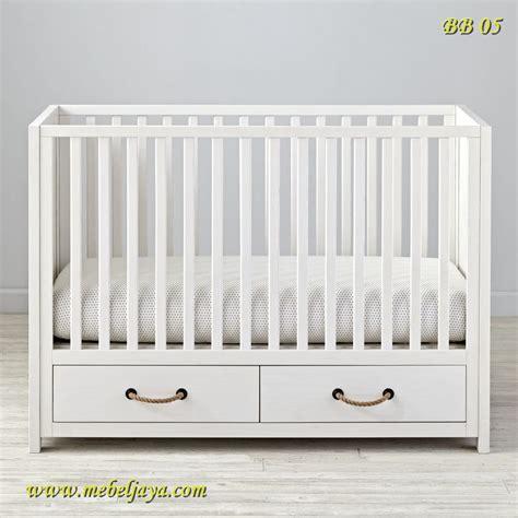 Jual Murah Catell White Samir Walker 1 box bayi kayu glaze white i cv jepara mebel jaya jepara mebel jaya