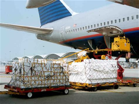 transport de marchandise par avion avantages et inconv 233 nients transit transport