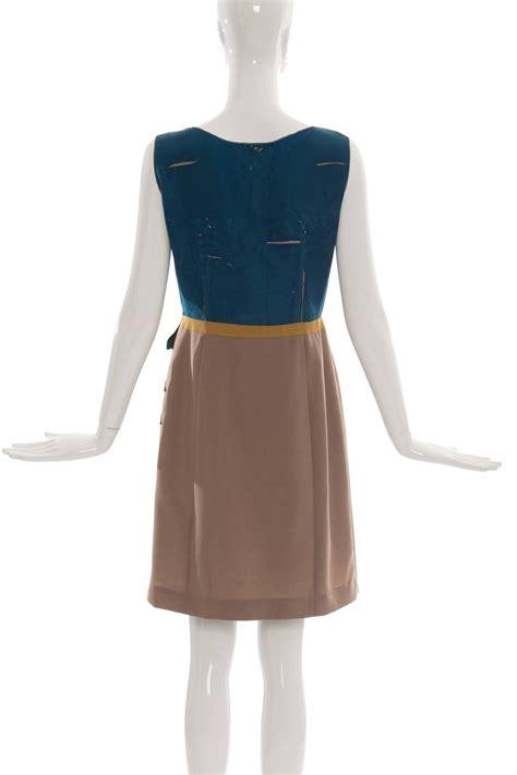 Dress Place Motif prada sleeveless silk dress with applique parrot motif