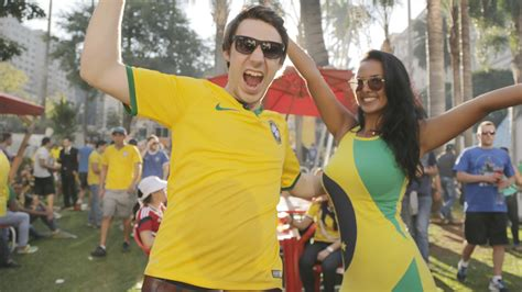 what to get a soccer fan soccer cup 2014 fans in get free rides