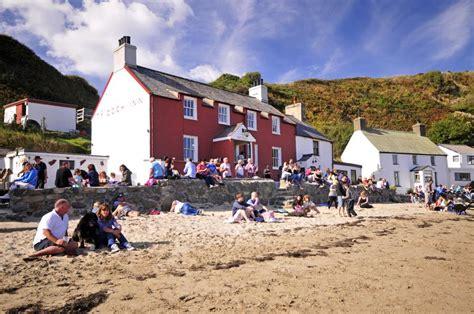 Ty Coch Cottage by Seaside Cottage Morfa Nefyn Lleyn Quality Cottages