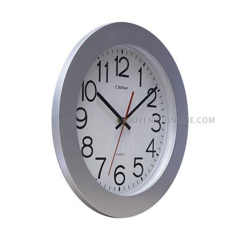 Jam Dinding Biru 30 Cm jam dinding merek ostar silver 33 cm