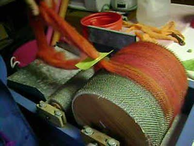 drum carder tutorial using a diz to make roving off your drum carder make a