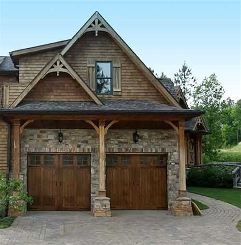 False Roof House Plans by Best 25 Craftsman Garage Door Ideas On Pinterest Garage