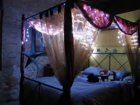 11 twinkling lights 13 gorgeous diy canopy beds diy