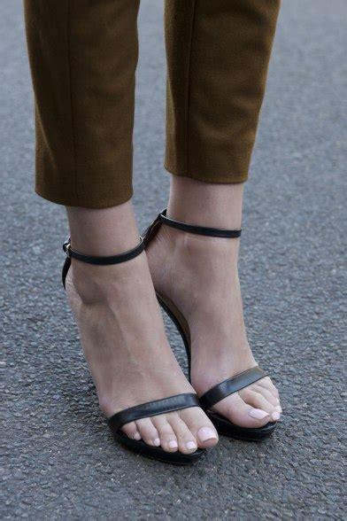 how to wear high heels how to wear high heels without 8 expert tips