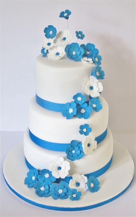 blue wedding cakes with flowers blue and white wedding cake wth fondant flowers