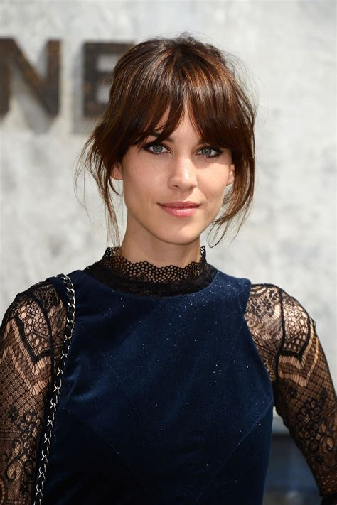 styling curtain bangs the 10 best hair styles for thin hair