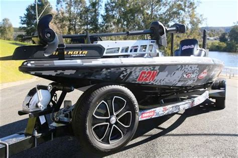 phoenix boats vs bass cat phoenix 721 proxp bass boat image gallery trade boats