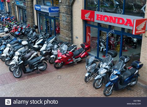 Motorcycle Dealers In Uk by Honda Motorcycle Dealer Shop At Vauxhall Uk With