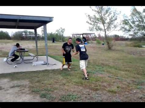 cholos peleando youtube guero y cholo peleando en lake casa blanca laredo2 youtube