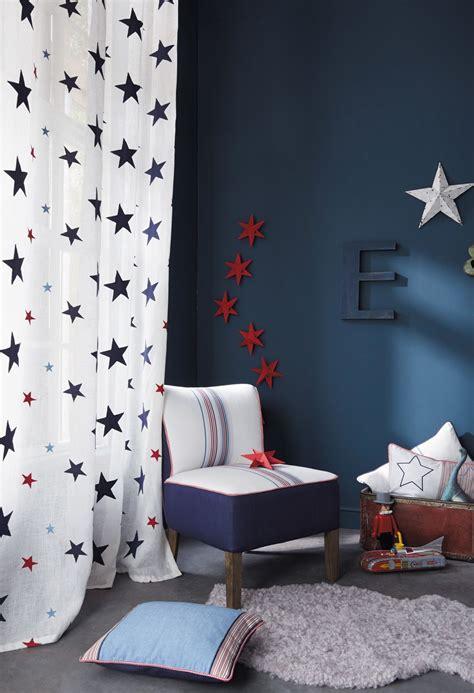 schlafzimmer ideen sterne eine bezaubernde neue tapetenkollektion f 252 r jungen