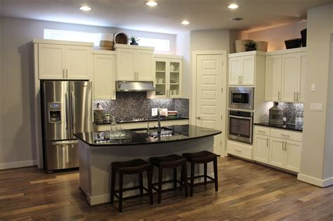 Beige Granite Countertop Creative Ceiling L Green Paint Interior Design Ideas For Kitchen Color Schemes