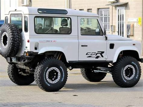 Lifted Land Rover Defender 90