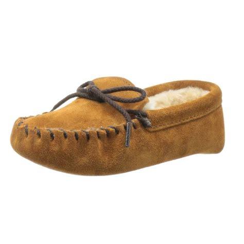 minnetonka toddler slippers minnetonka pile lined slipper toddler kid big kid