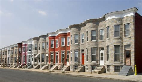 what is the difference between a row house and a town