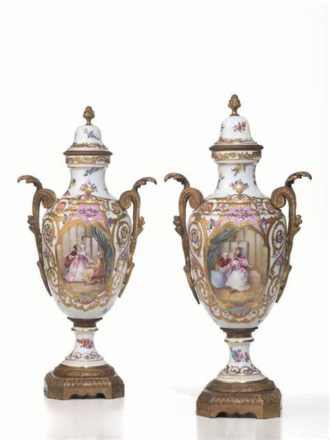 vasi sevres coppia di vasi con coperchio s 232 vres met 224 secolo xix