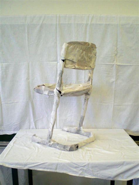 gedrehter stuhl unbekannt 1