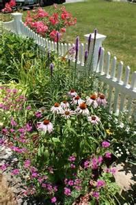cottage garden fencing cottage garden picket fence garden ideas cottage