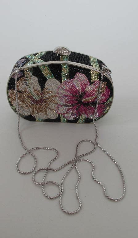 Judith Leiber Limited Edition Venus Shell Miniaudiere by 286 Best Judith Leiber Images On Clutch Bags